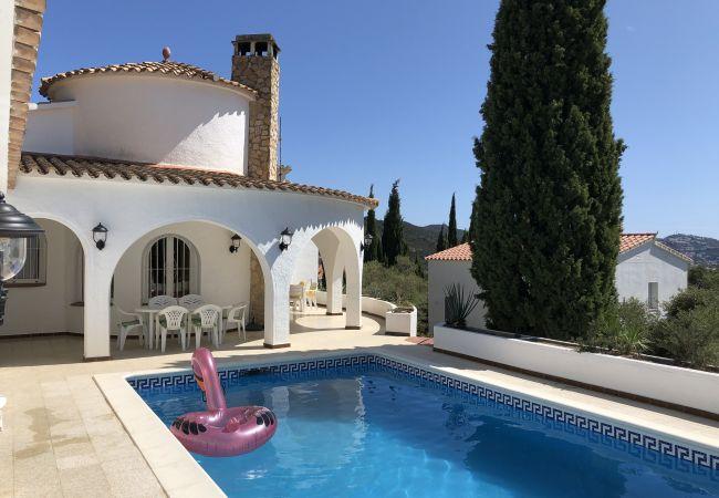Villa in Rosas / Roses - Ref. Es78-80